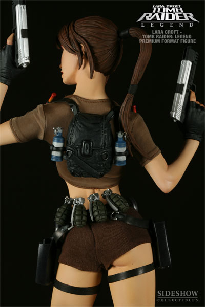 tomb-raider-lara-croft-figure-3.jpg