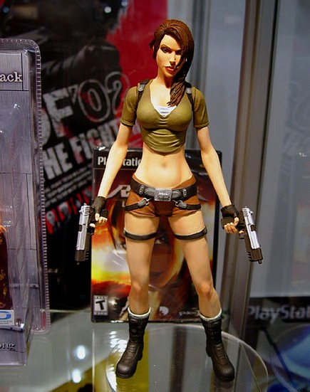 lara-croft-action-figure-1.jpg